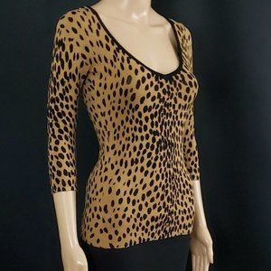 GUESS NWT Caramel Brown Fitted Leopard Print V-nec